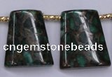 CGO155 Top-drilled 22*28mm trapezoid gold green color stone beads